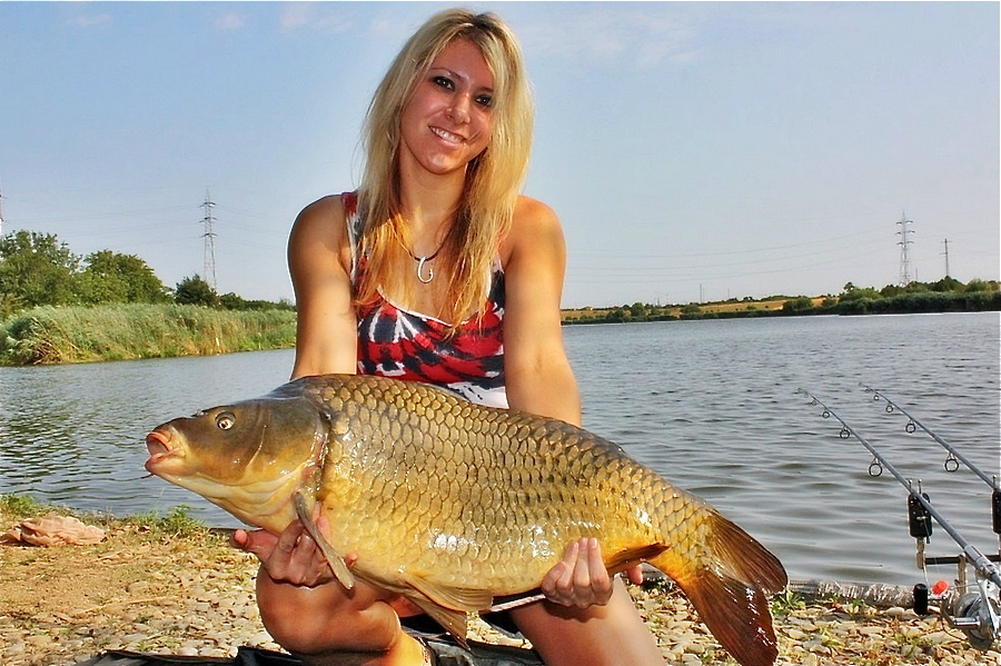 girlscarpfishing7